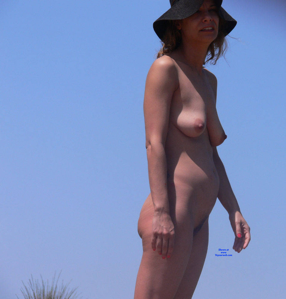 Pic #4 We All Love The Nude Beach - Nude Girls, Brunette, Outdoors, Beach Voyeur
