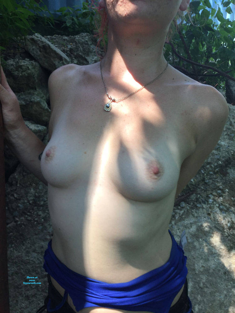 Pic #6 Hiking In The City Park - Topless Girls, Outdoors, Amateur
