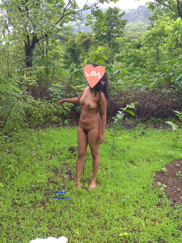 Pic #4 Hot Babe Nude In Jungle - Nude Wives, Big Tits, Outdoors, Nature, Bush Or Hairy, Amateur