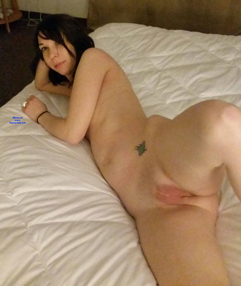 Pic #5 Sexy Wife - Nude Wives, Brunette, Shaved, Amateur