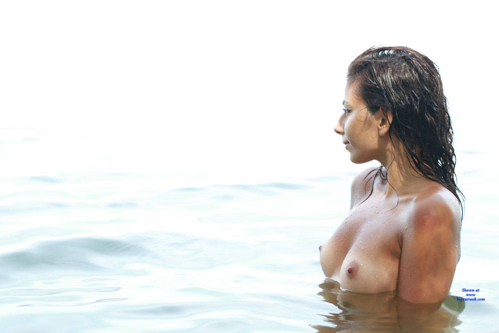 Pic #1 Sierra At The Beach - Nude Girls, Beach, Brunette, Outdoors, Amateur