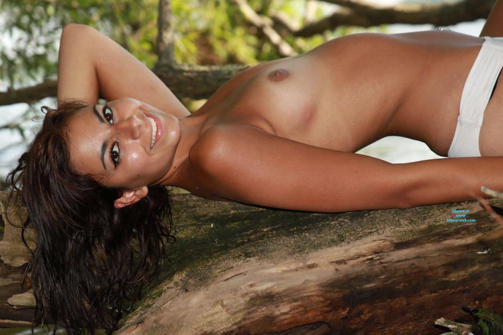 Pic #5 Sierra At The Beach - Nude Girls, Beach, Brunette, Outdoors, Amateur