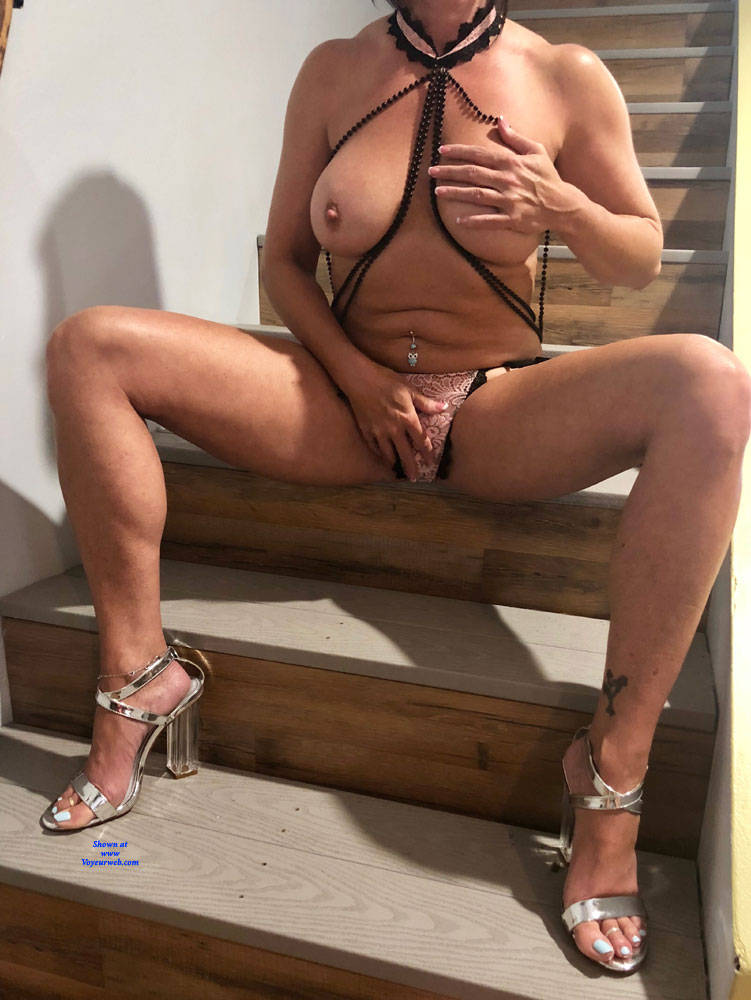 Pic #3 Just Hanging Around - High Heels Amateurs, Wife/wives