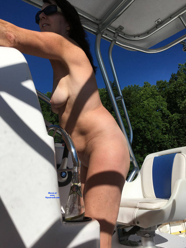 Pic #4 Naked Gun On The Lake - NC  - Nude Girls, Big Tits, Brunette, Outdoors, Amateur