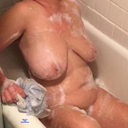 Big Boob Bath Babe - Nude Girls, Big Tits, Amateur, Wet Tits
