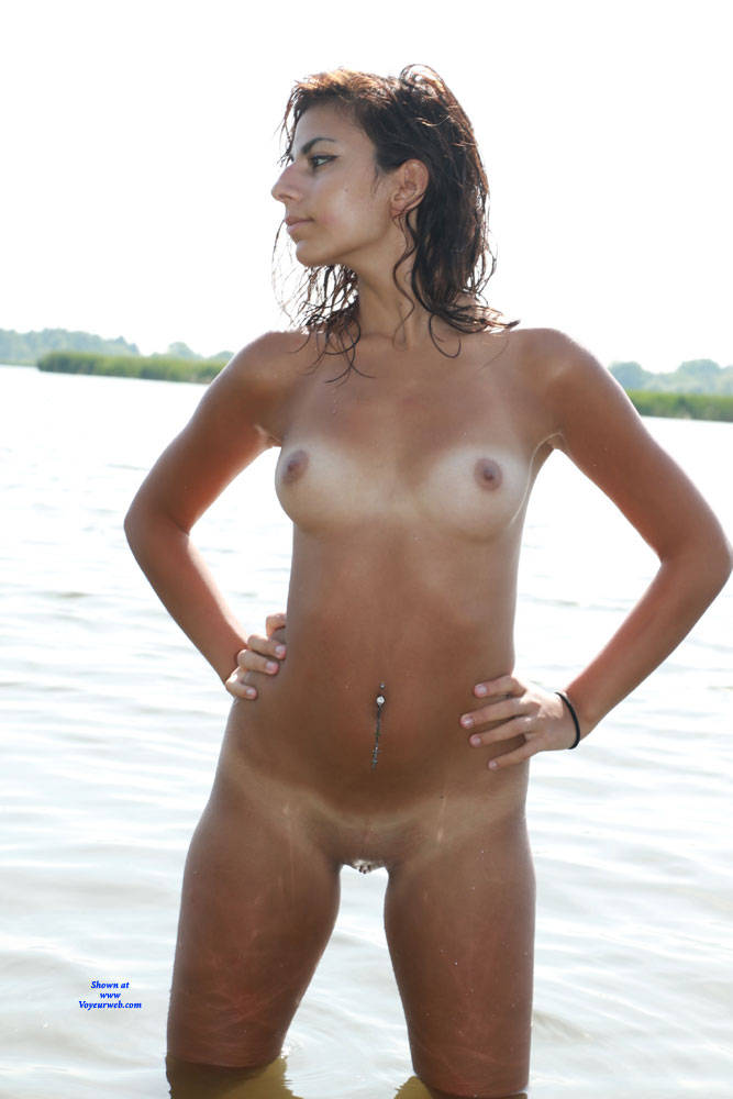 Pic #8 Sexy Sierra At The Beach - Nude Girls, Beach, Brunette, See Through, Shaved, Amateur, Outdoors