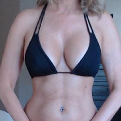Microkini - Big Tits, Amateur