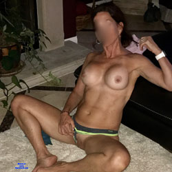 Stretching In The Heat - Nude Girlfriends, Big Tits, Amateur