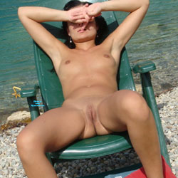 Look At My Orgasm - Nude Girls, Beach, Brunette, Outdoors, Shaved, Amateur