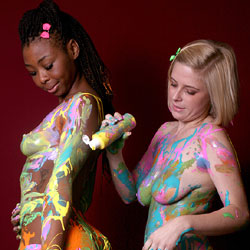 Paint Play - Nude Girls, Big Tits, Blonde, Ebony, Amateur