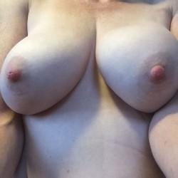 Medium tits of my wife - fun times