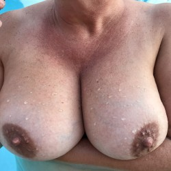 Very large tits of my wife - Robin