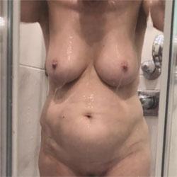Duschen - Nude Wives, Big Tits, Bush Or Hairy, Amateur, Wet Tits