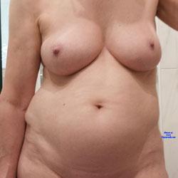 Duschen - Nude Girls, Big Tits, Amateur, Wet Tits
