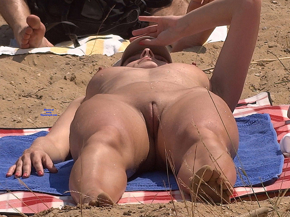 Pic #3 Lonely Girls - Nude Girls, Beach, Brunette, Outdoors, Firm Ass, Beach Voyeur