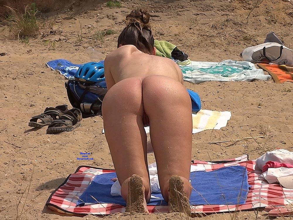 Pic #5 Lonely Girls - Nude Girls, Beach, Brunette, Outdoors, Firm Ass, Beach Voyeur