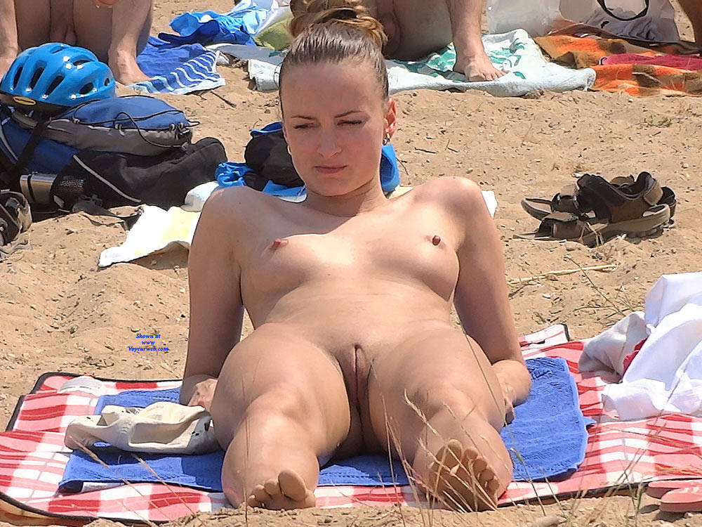 Pic #10 Lonely Girls - Nude Girls, Beach, Brunette, Outdoors, Firm Ass, Beach Voyeur