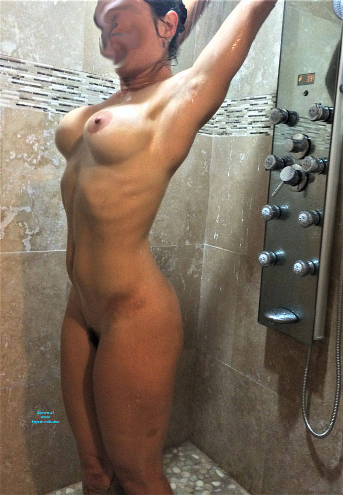 Pic #3 Cleaning Up - Nude Girls, Big Tits, Amateur