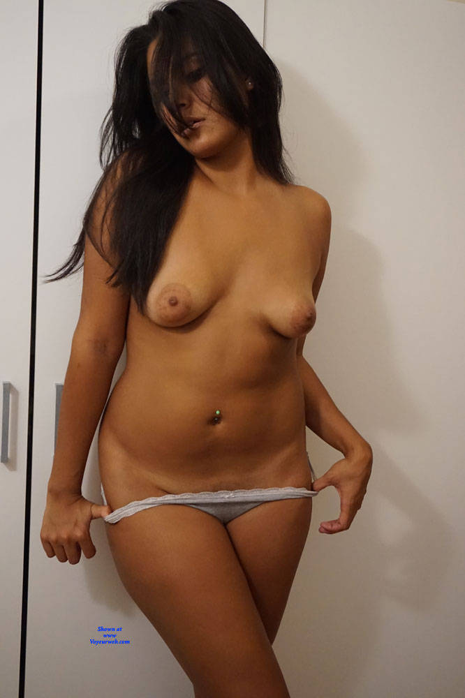 Pic #3 Beautiful Spanish 20 yr old - Nude Girls, Brunette, Amateur