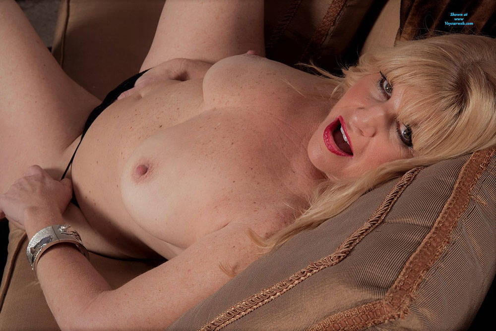 Pic #2 Undressed For Fun - Nude Wives, Big Tits, Blonde, High Heels Amateurs, Mature