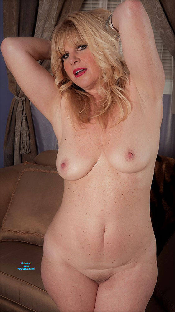 Pic #6 Undressed For Fun - Nude Wives, Big Tits, Blonde, High Heels Amateurs, Mature