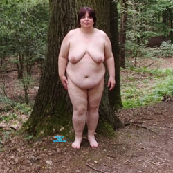 Naked In The Forest - Nude Girls, BBW, Big Tits, Brunette, Outdoors, Nature, Amateur