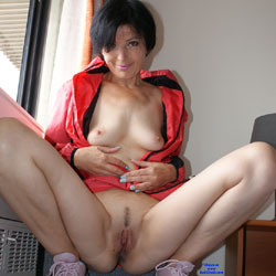 Slutty - Brunette, Amateur, legs spread wide open, Mature