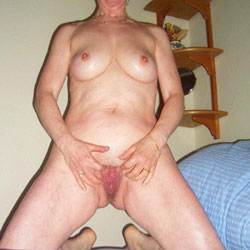 Indoor Fun - Nude Girls, Mature, Shaved, Amateur