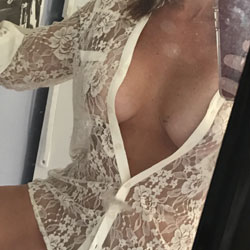 Playing For Comments - Mature, Amateur