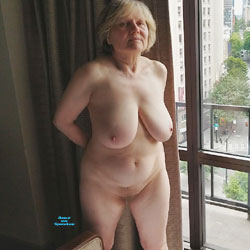 On Display In Hotel Window - Nude Girls, Big Tits, Mature, Amateur