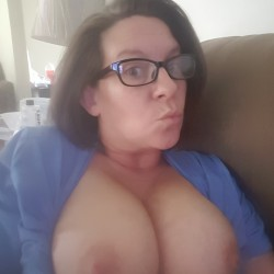 Large tits of my wife - Wifey shows her large tits