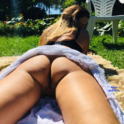 In The Sun - Pantieless Girls, Outdoors, Amateur