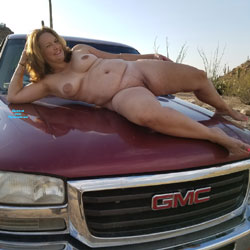 Truck Poses - Nude Girls, Big Tits, Mature, Outdoors, Amateur