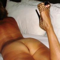 My wife's ass - Cindy Tyhardone