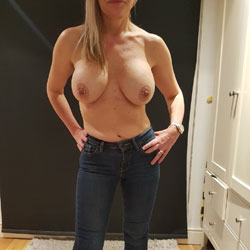 Please Fuck My Wife! - Topless Wives, Big Tits, Amateur, Body Piercings