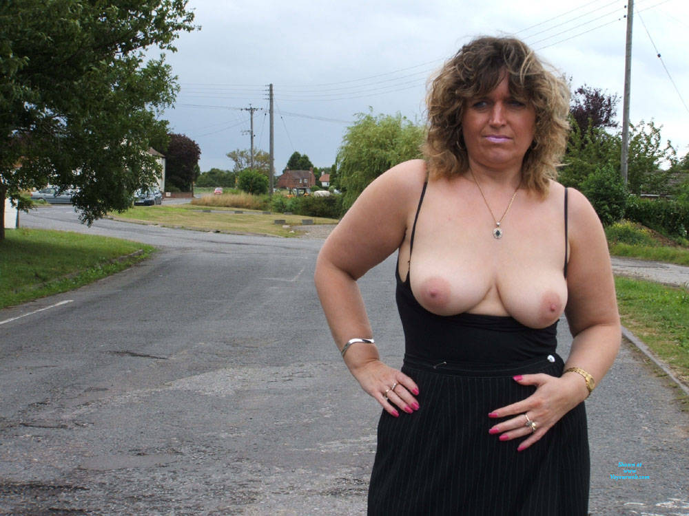 Pic #4 Bus Stop Tease - Big Tits, Public Exhibitionist, Flashing, Outdoors, Public Place, Amateur