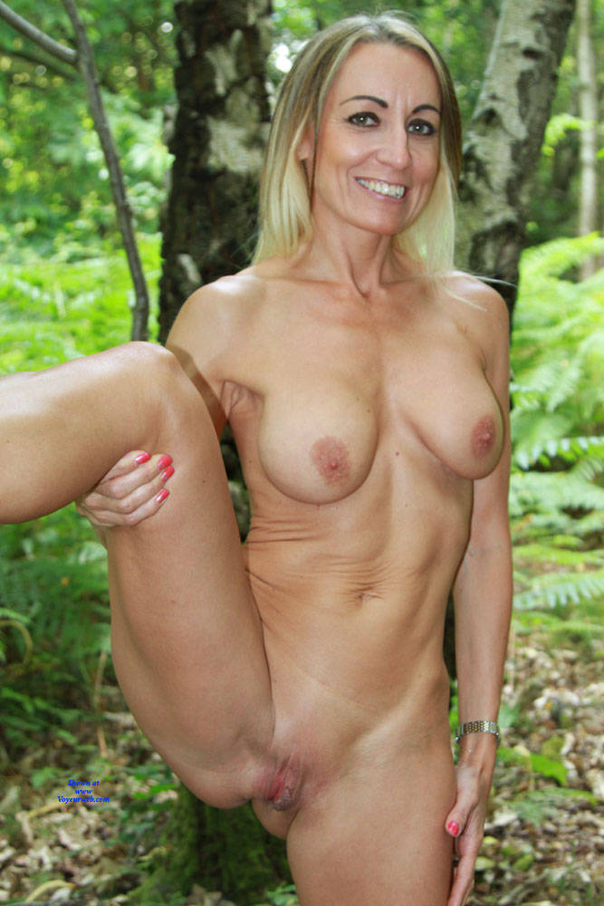 Real pics of young blonde country girls naked
