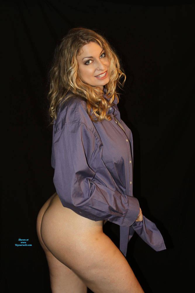 amateur model finally nude
