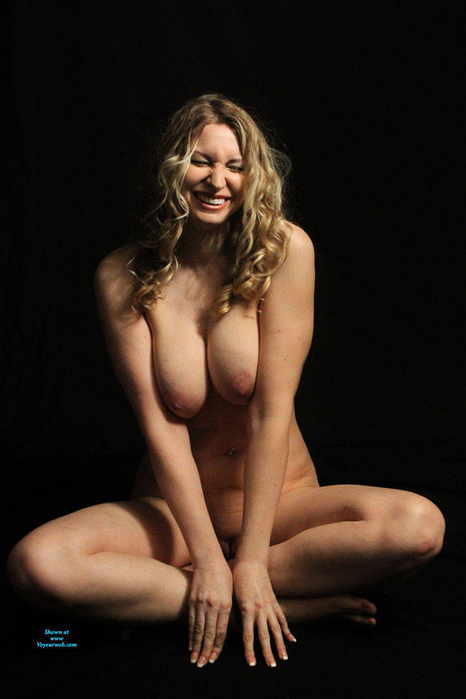 Pic #4 Finally A Contest I Might Stand A Chance In!! - Nude Girls, Big Tits, Mature, Shaved, Amateur, Milf