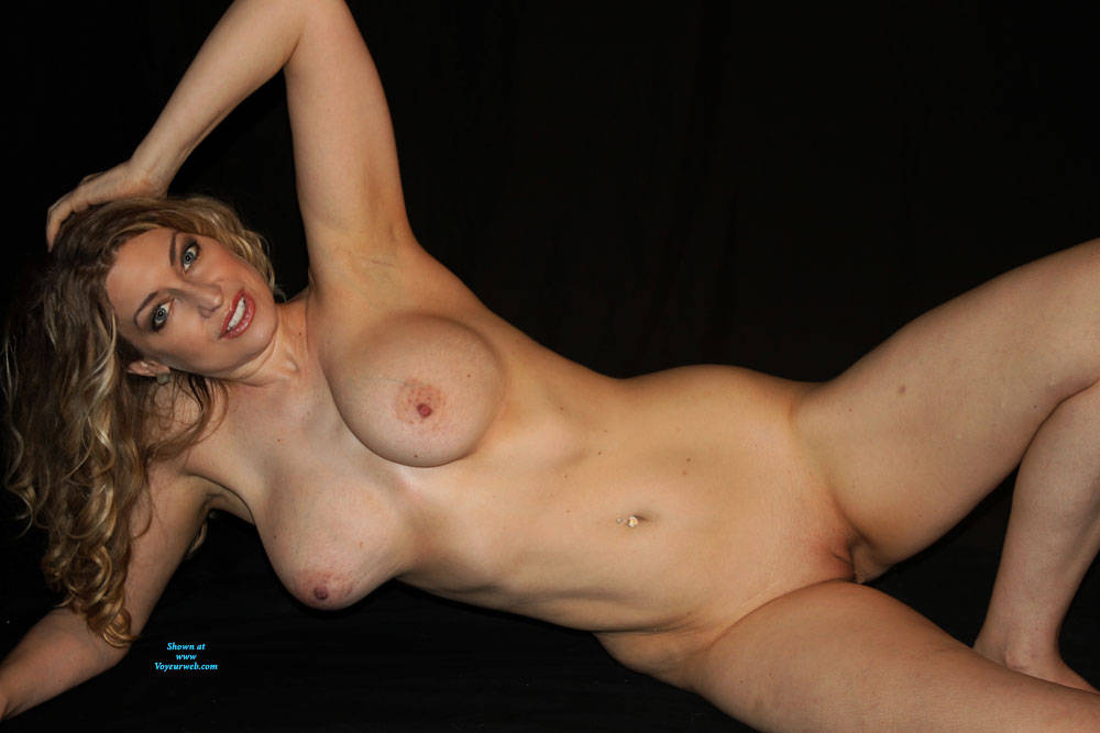 Pic #8 Finally A Contest I Might Stand A Chance In!! - Nude Girls, Big Tits, Mature, Shaved, Amateur, Milf