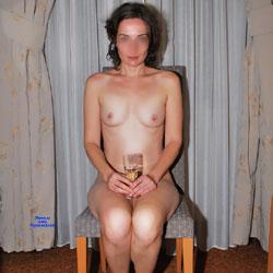 Night Champagne - Nude Girls, Brunette, Amateur, Medium Tits