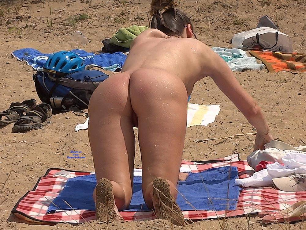 Pic #6 Lonely Girl 2 - Nude Girls, Beach, Brunette, Outdoors, Shaved, Beach Voyeur