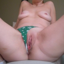 Christmas Comes Early - Nude Girls, Shaved, Amateur