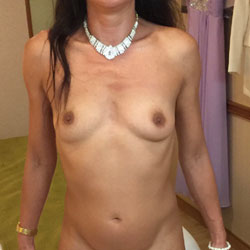Various Holiday Shots - Nude Girls, Shaved, Amateur
