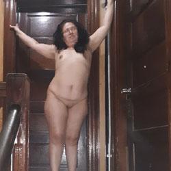 Stair - Nude Girls, Brunette, Amateur