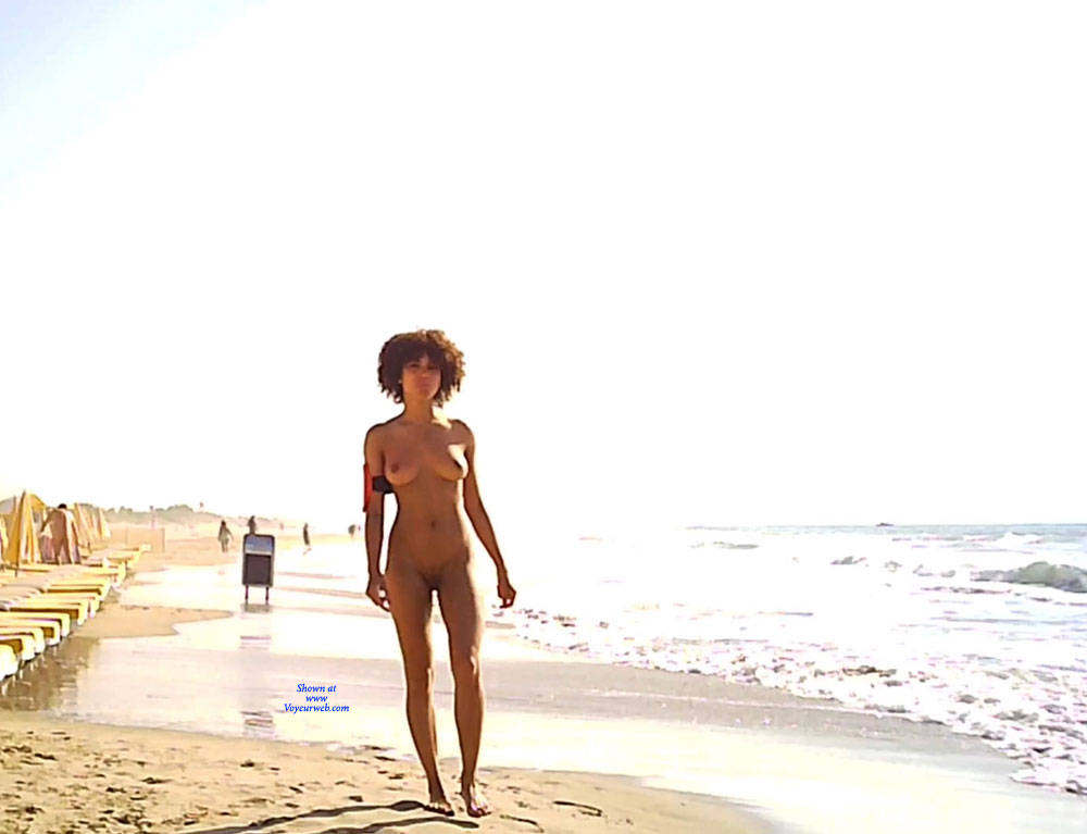 Pic #2 Cap dAgde - Nude Girls, Big Tits, Brunette, Outdoors, Shaved, Beach Voyeur