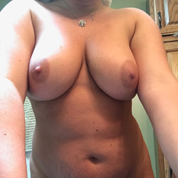 Young Sexy Thick Girlfriend - Nude Girlfriends, Big Tits, Amateur
