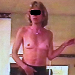 Dancing In Pantyhose For A Friend - Wives In Lingerie, Mature, Amateur