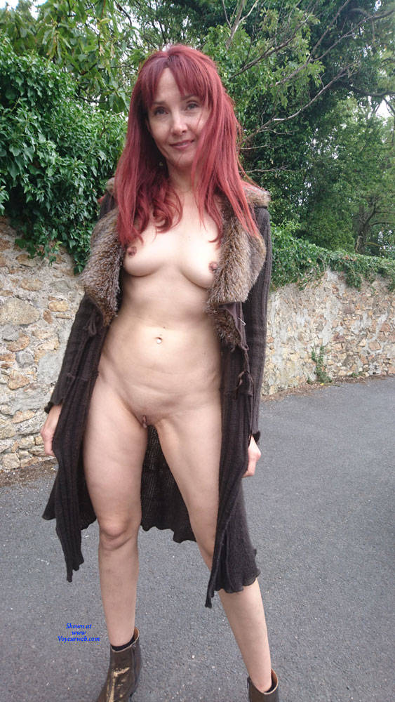 Pic #1 Happy Park - Public Exhibitionist, Flashing, Outdoors, Public Place, Redhead, Shaved, Amateur