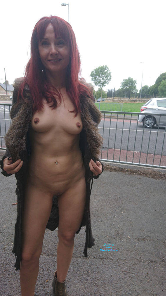 Pic #4 Happy Park - Public Exhibitionist, Flashing, Outdoors, Public Place, Redhead, Shaved, Amateur